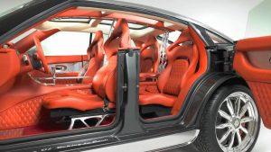 Najluxusnejšie auto s otvorenými dverami